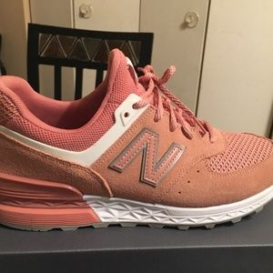 New balance salmon  color